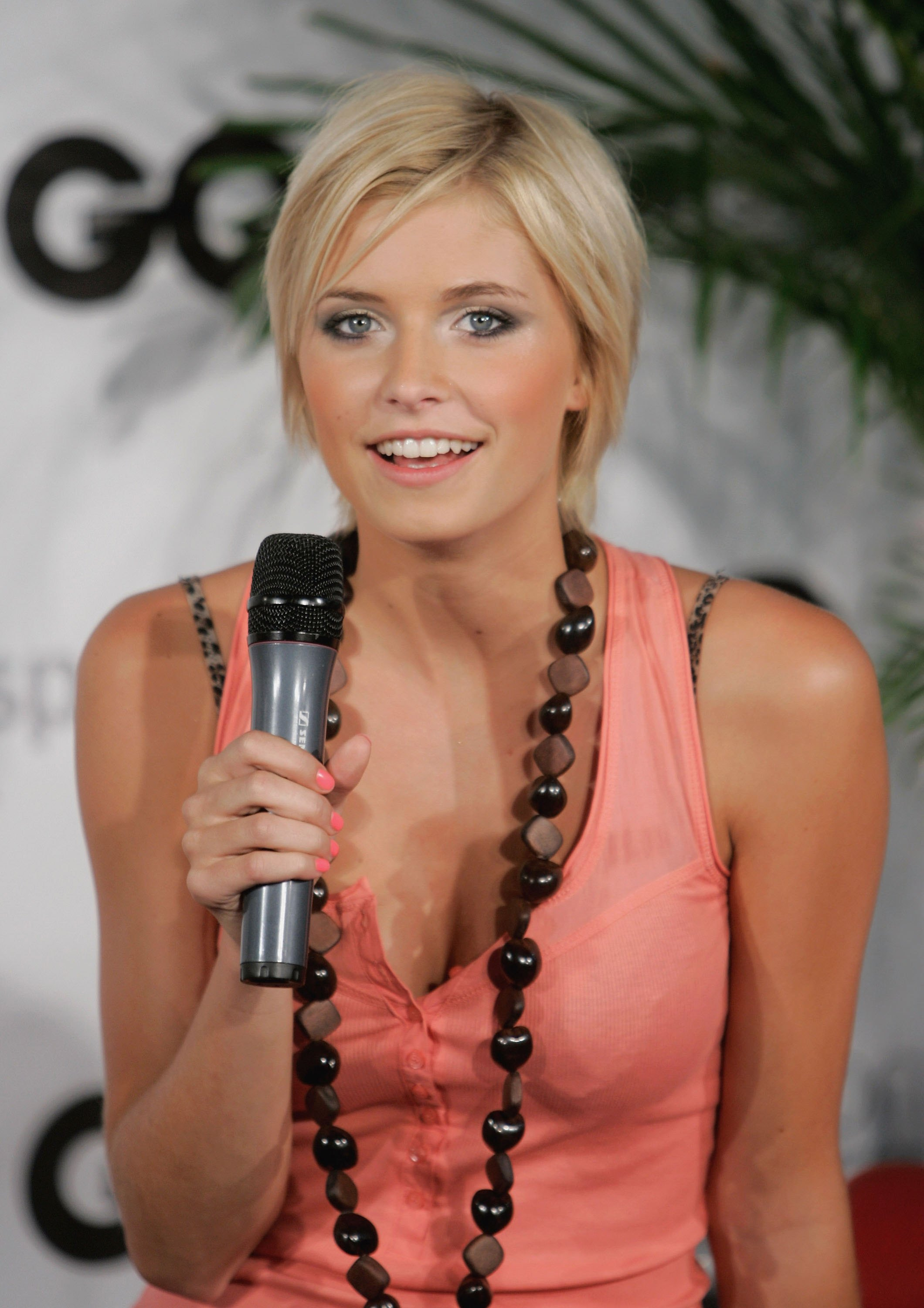 HD Quality Wallpaper | Collection: Women, 2120x3000 Lena Gercke