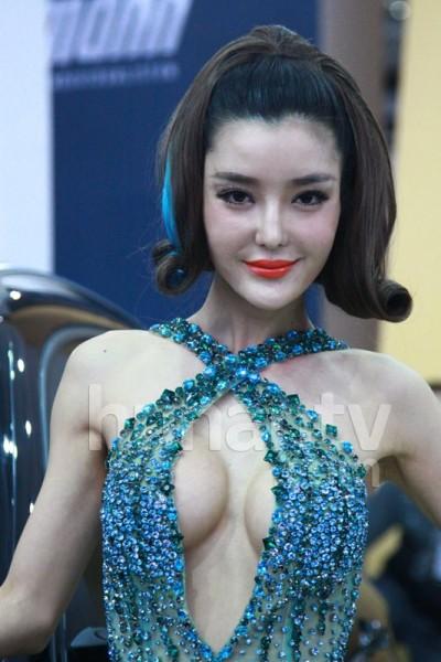 Li Ying Zhi Pics, Women Collection