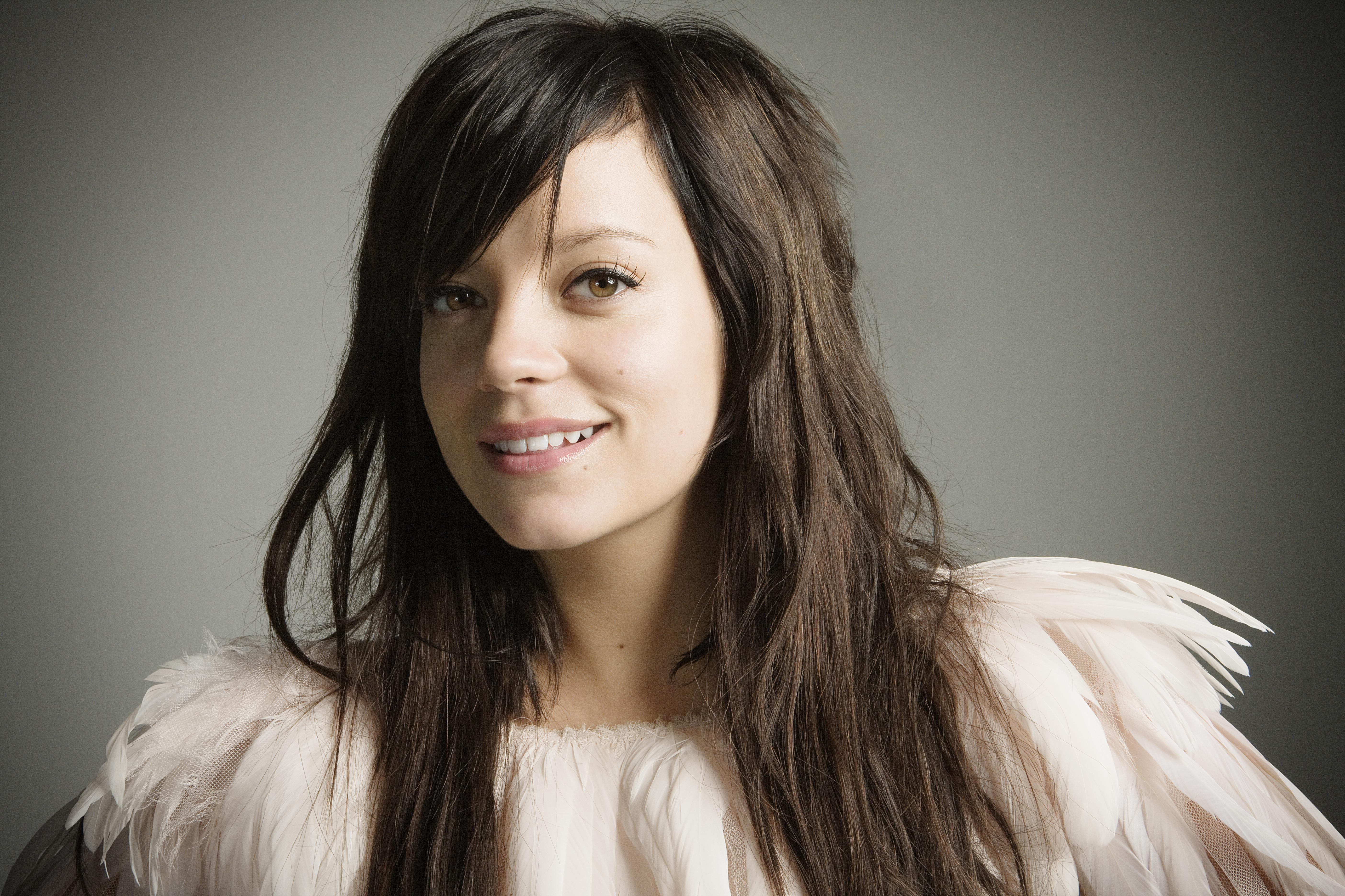 Amazing Lily Allen Pictures & Backgrounds