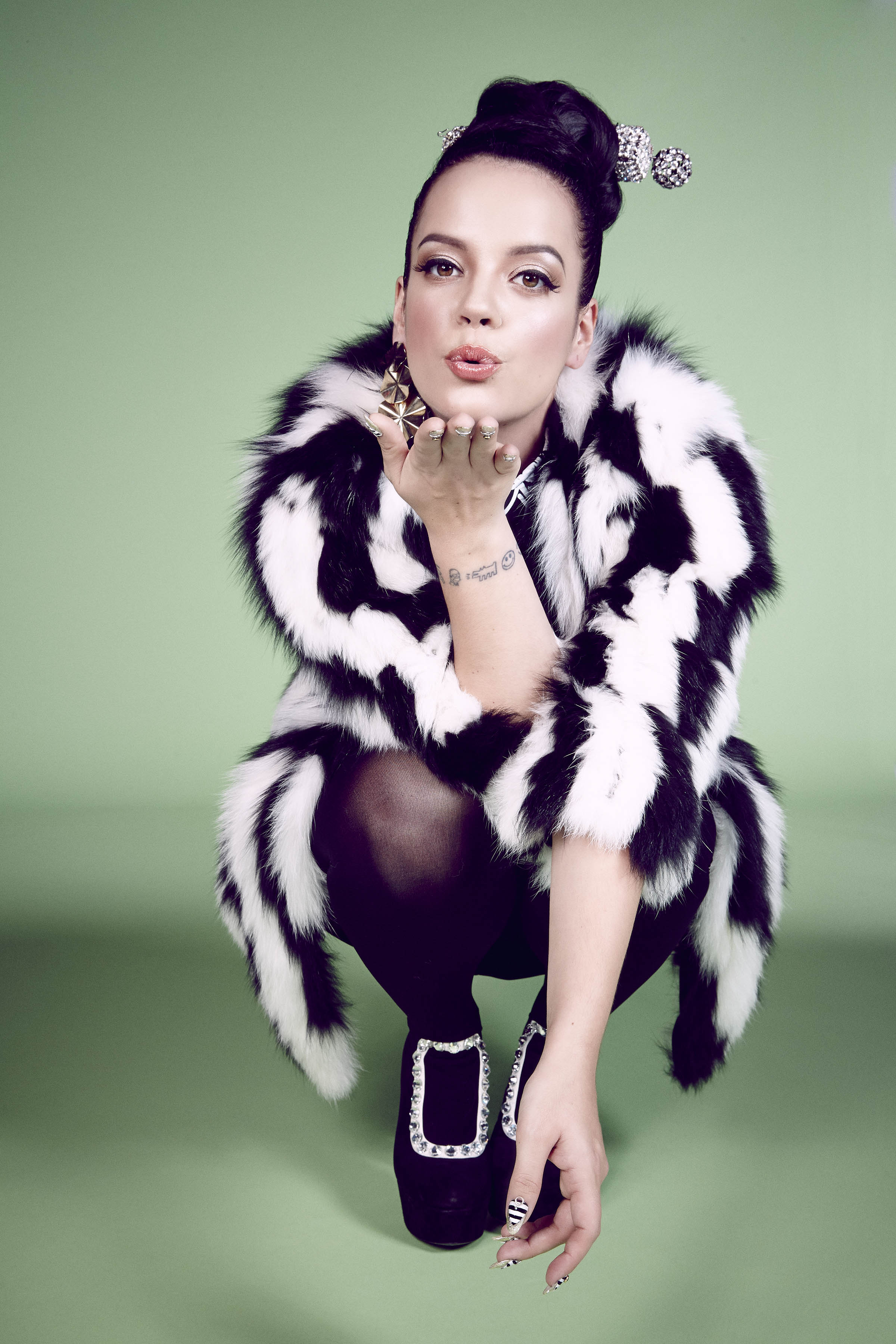 HD Quality Wallpaper | Collection: Music, 2400x3600 Lily Allen