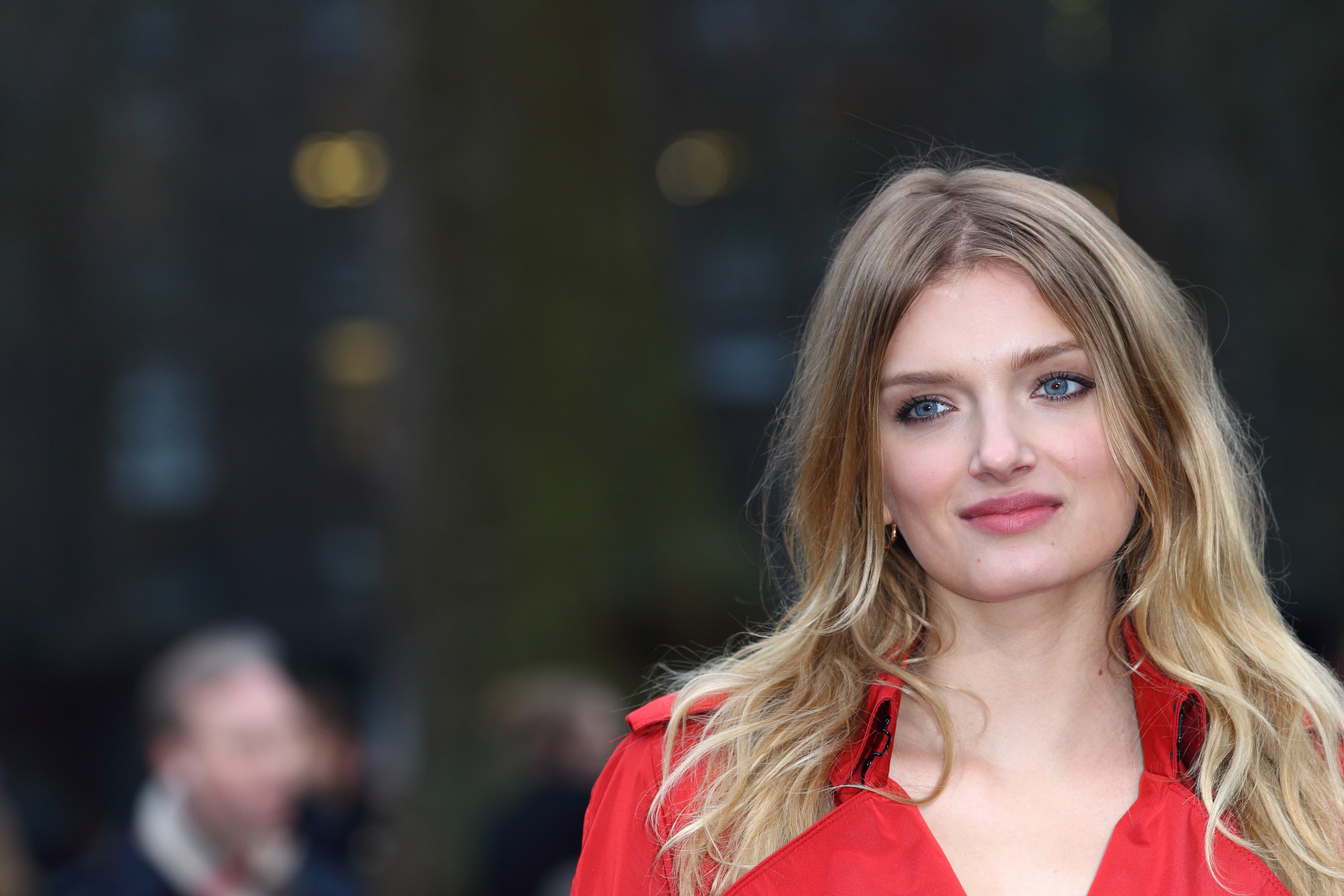 3000x2000 > Lily Donaldson Wallpapers