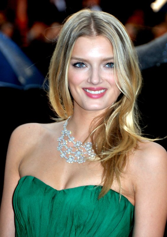 Amazing Lily Donaldson Pictures & Backgrounds