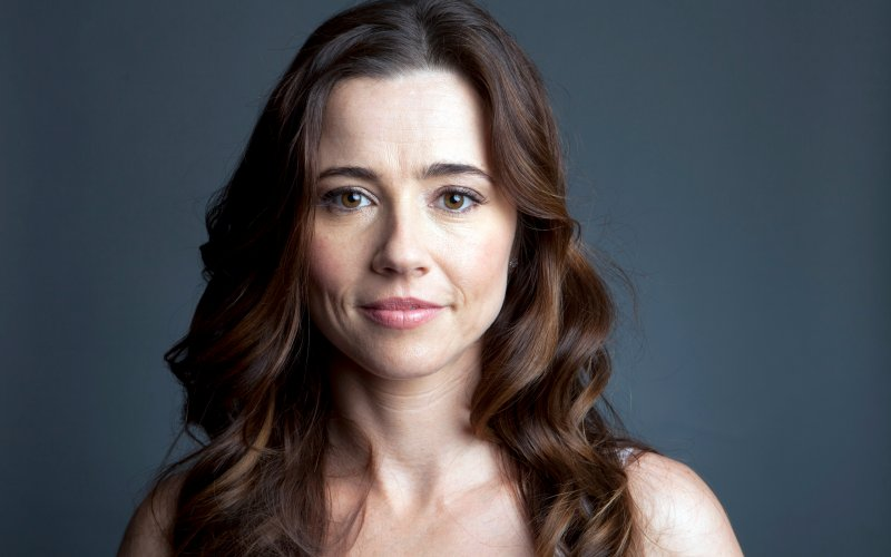Linda Cardellini  High Quality Background on Wallpapers Vista