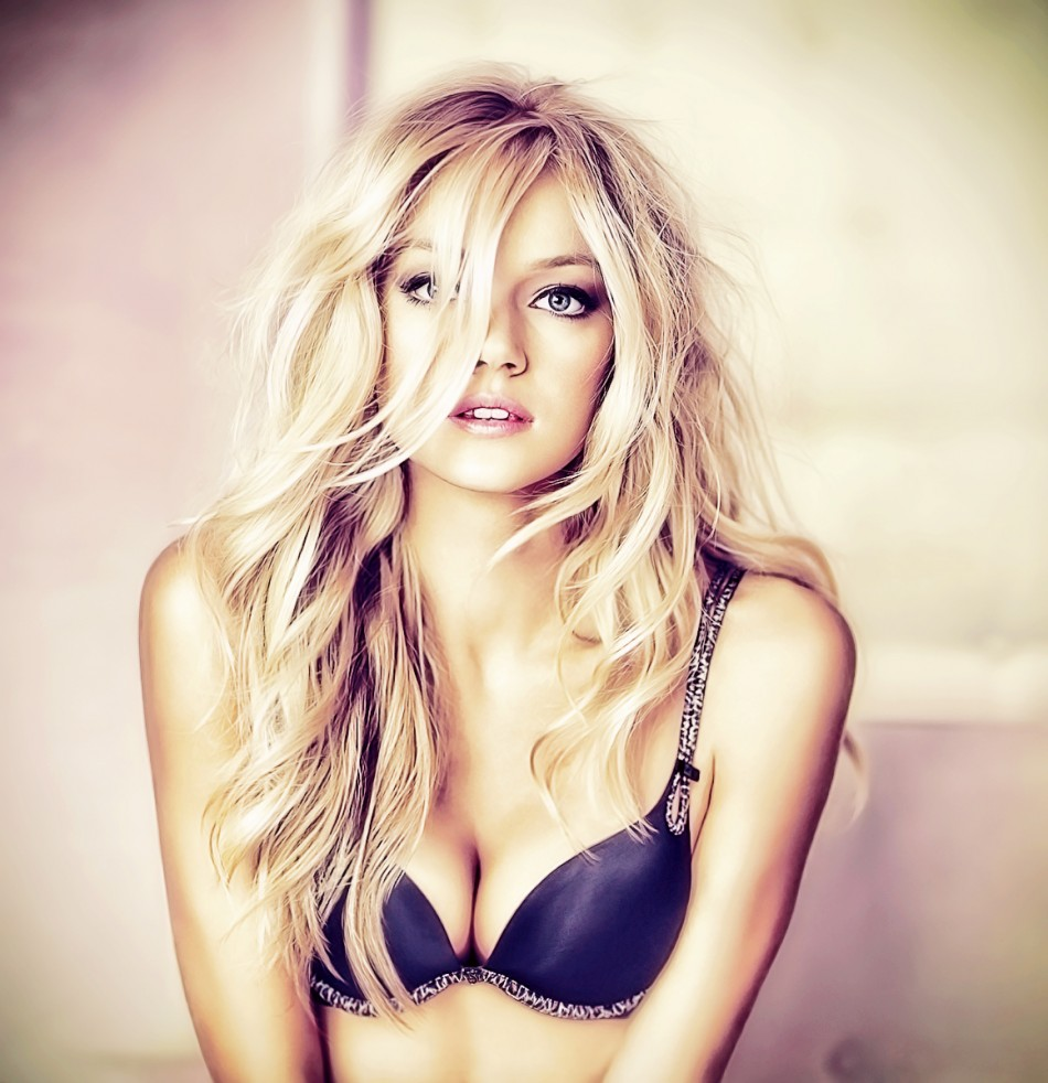 Images of Lindsay Ellingson | 950x982