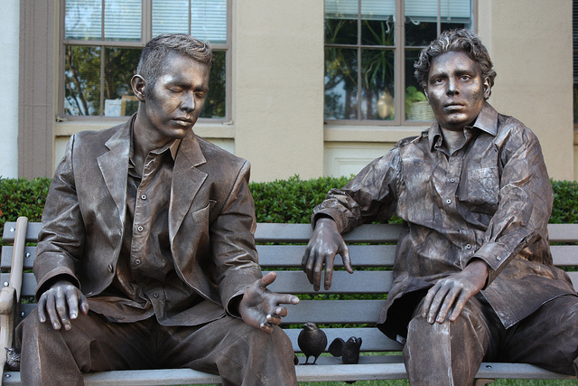 640x427 > Living Statue Wallpapers