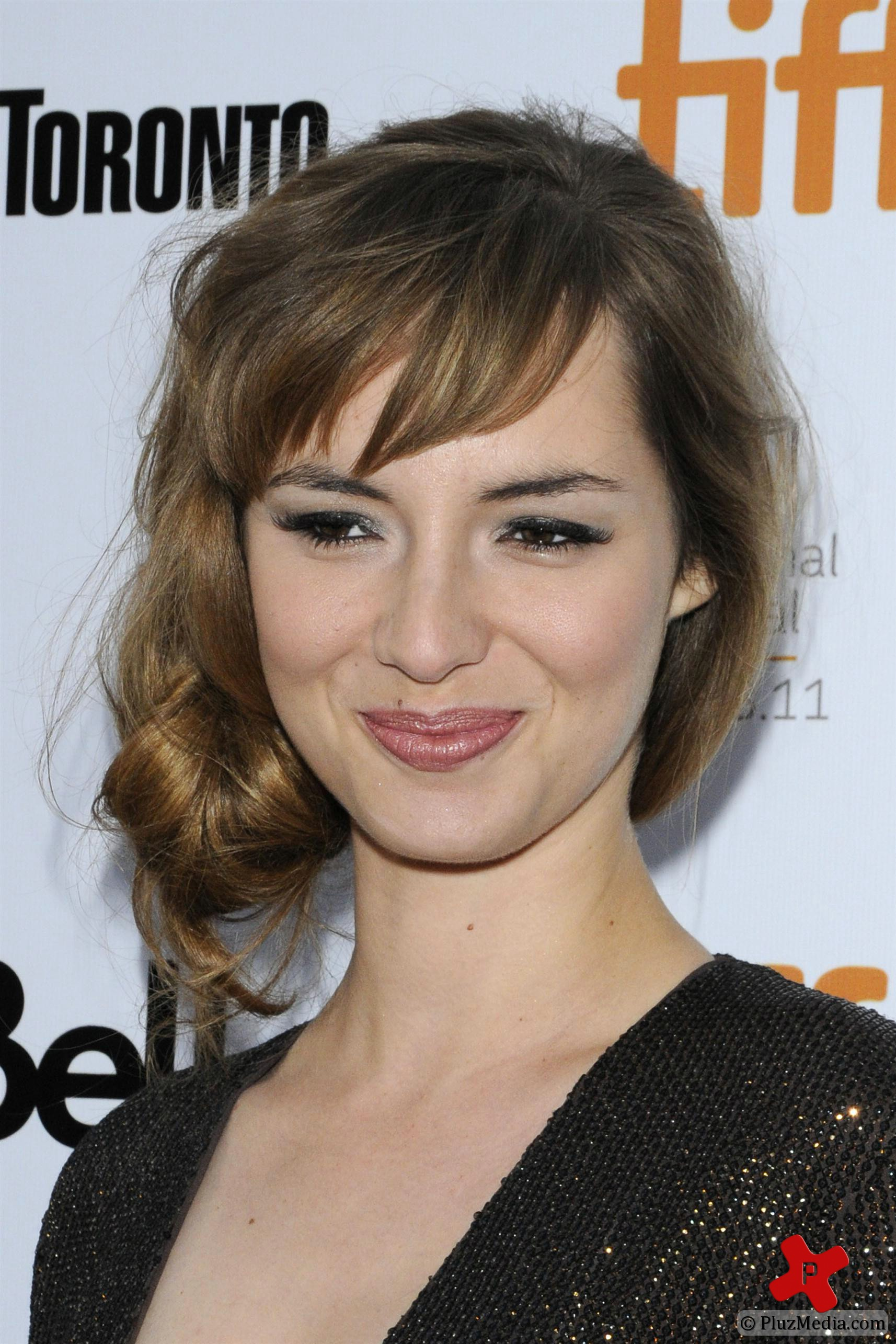 Amazing Louise Bourgoin Pictures & Backgrounds