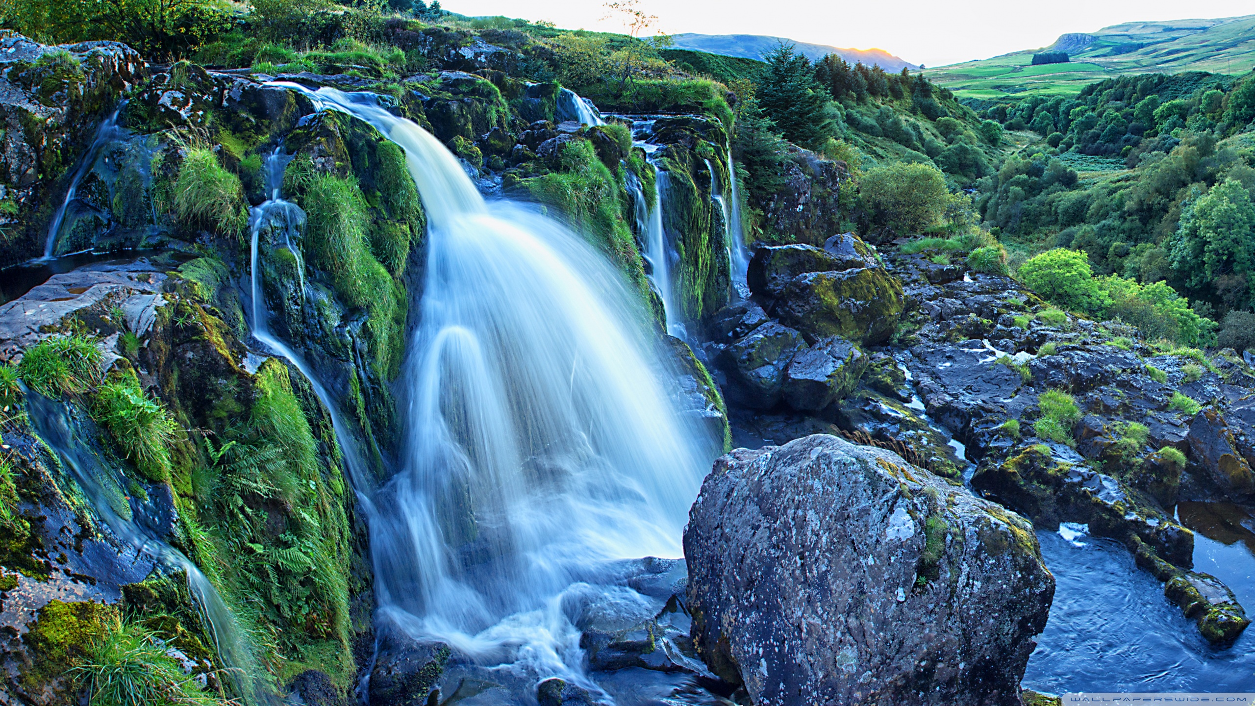 High Resolution Wallpaper   Loup Of Fintry Waterfall 2560x1440 px