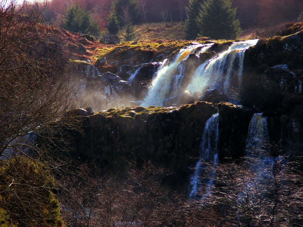 1024x768 > Loup Of Fintry Waterfall Wallpapers