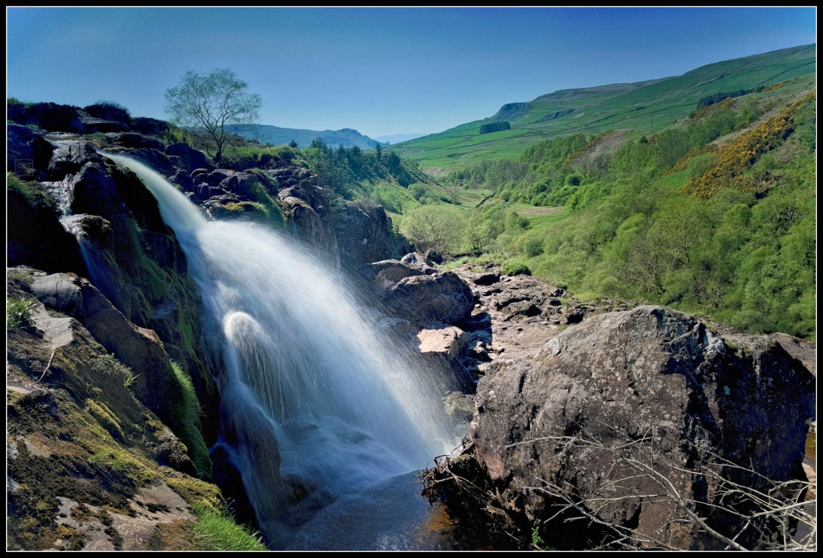 Images of Loup Of Fintry Waterfall   1600x1085