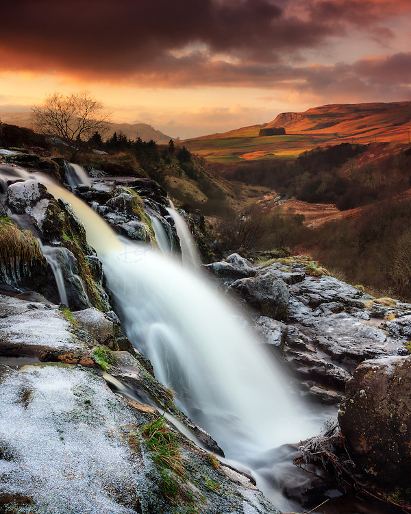 Loup Of Fintry Waterfall Backgrounds on Wallpapers Vista