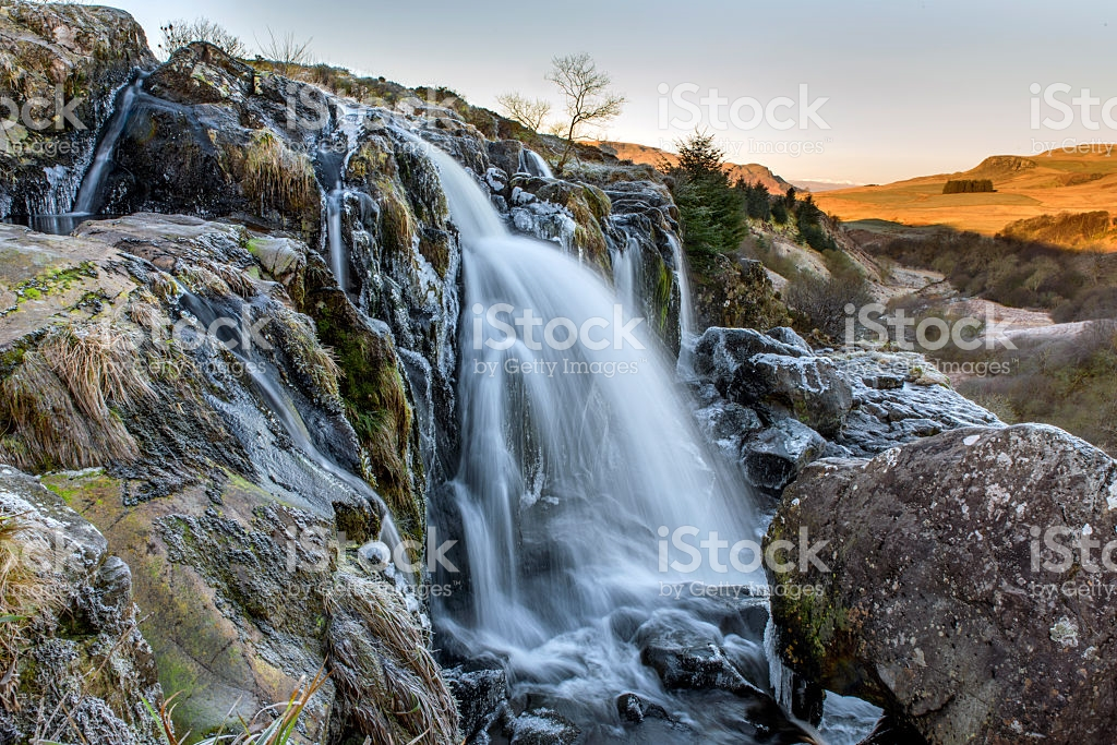 1024x683 > Loup Of Fintry Waterfall Wallpapers