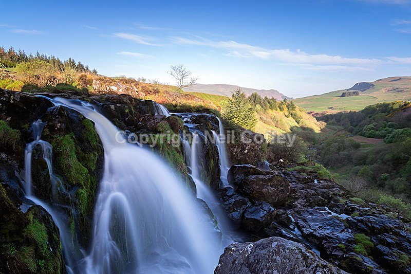 800x533 > Loup Of Fintry Waterfall Wallpapers