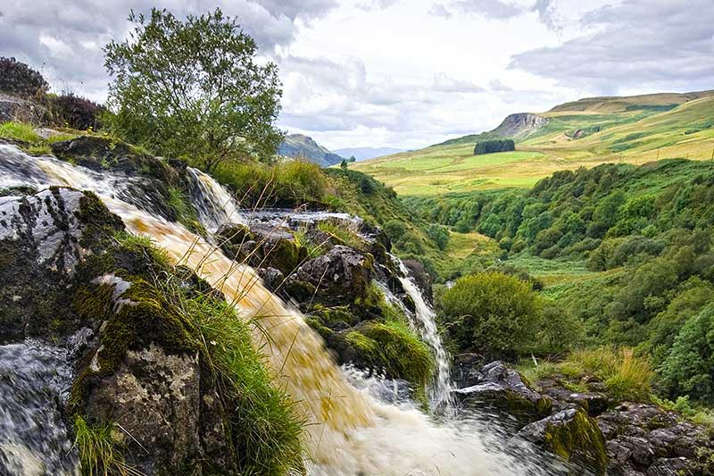 Amazing Loup Of Fintry Waterfall Pictures & Backgrounds