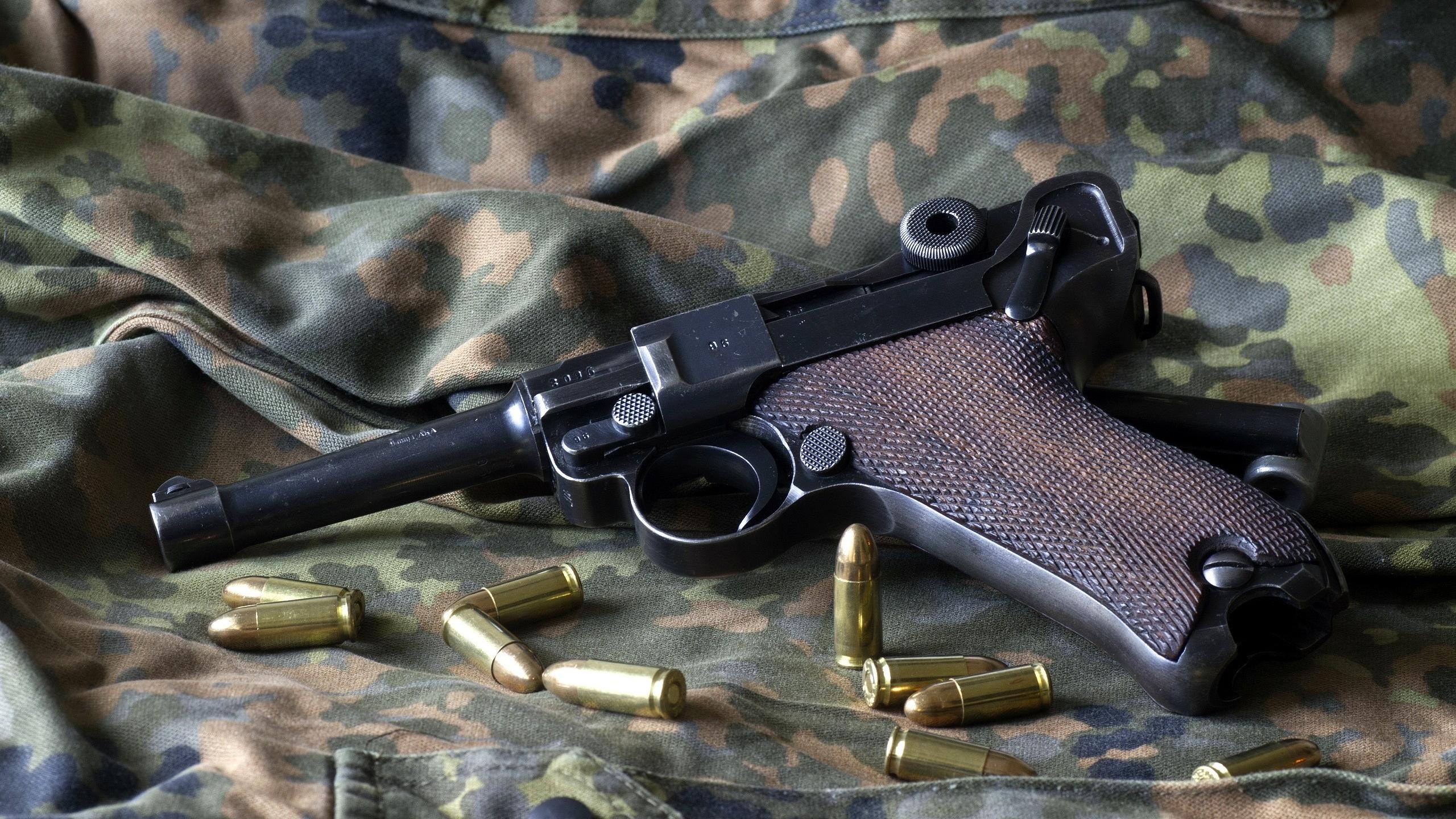 Luger Pistol Backgrounds, Compatible - PC, Mobile, Gadgets| 2560x1440 px