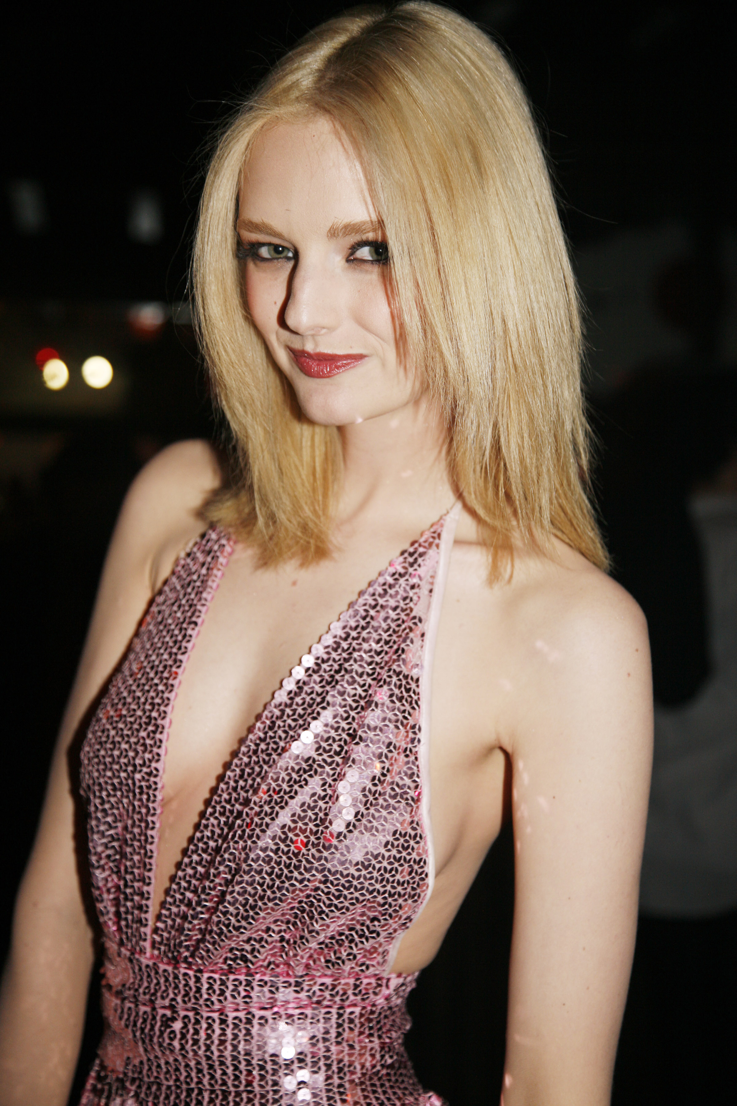Images of Lydia Hearst-Shaw | 2400x3600
