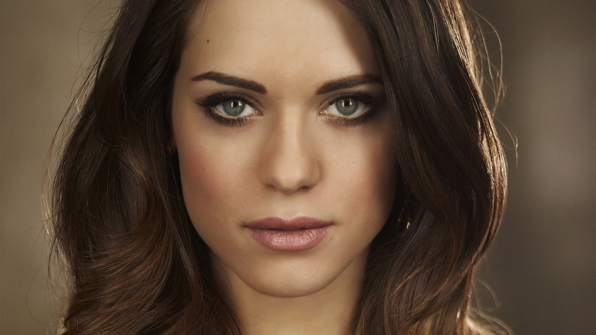 High Resolution Wallpaper | Lyndsy Fonseca 1920x1080 px
