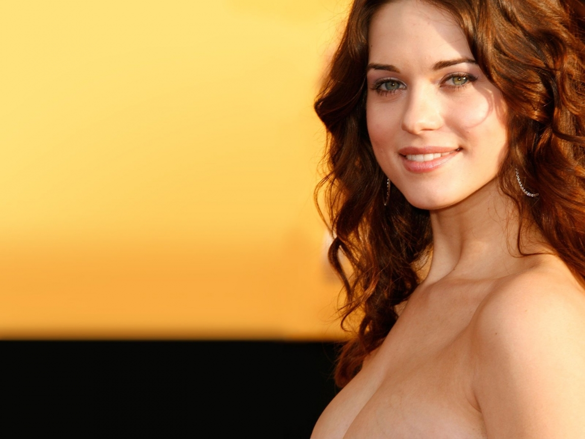 1152x864 > Lyndsy Fonseca Wallpapers