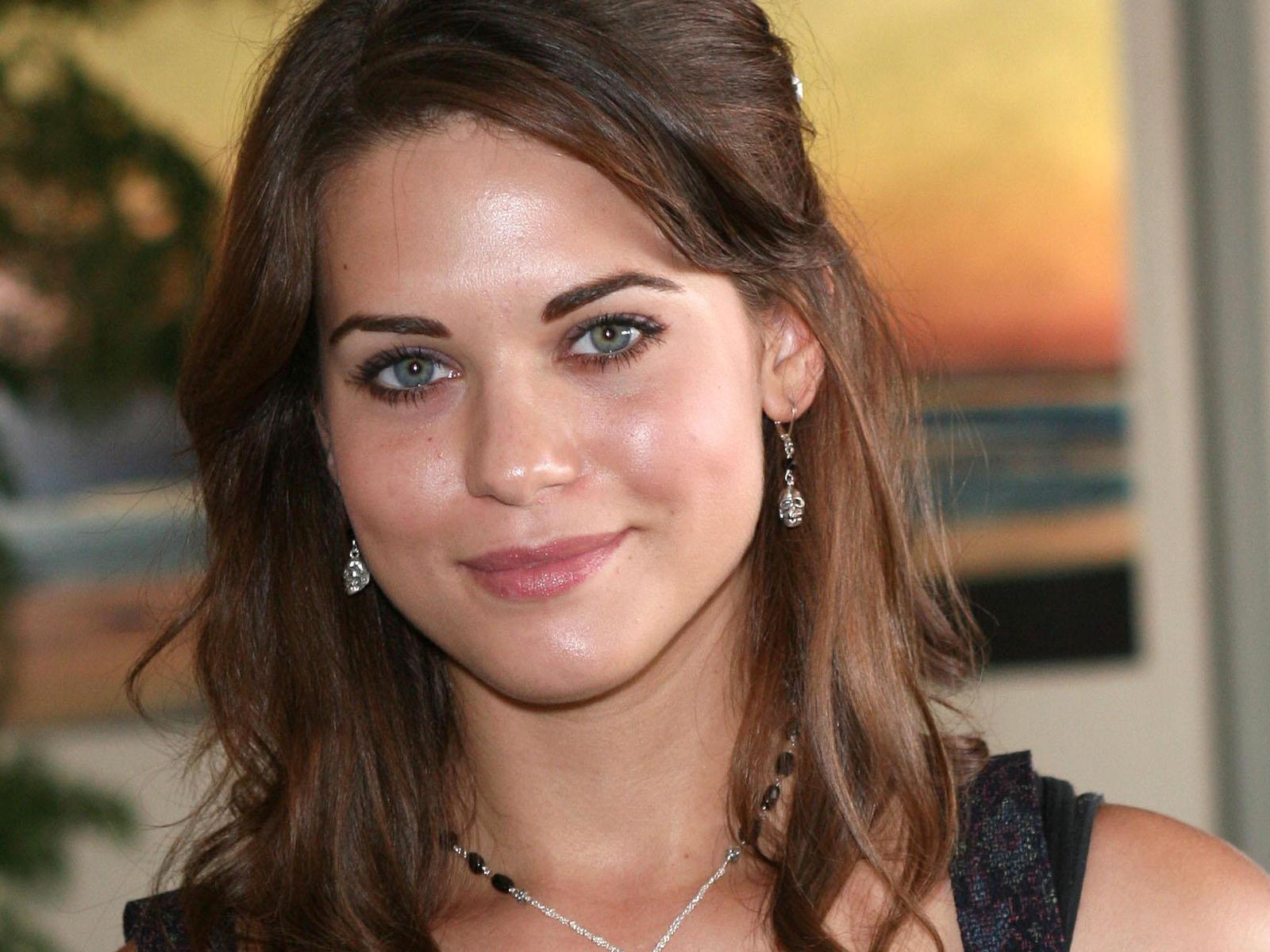 Lyndsy Fonseca High Quality Background on Wallpapers Vista