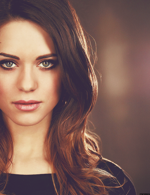 Lyndsy Fonseca Backgrounds on Wallpapers Vista