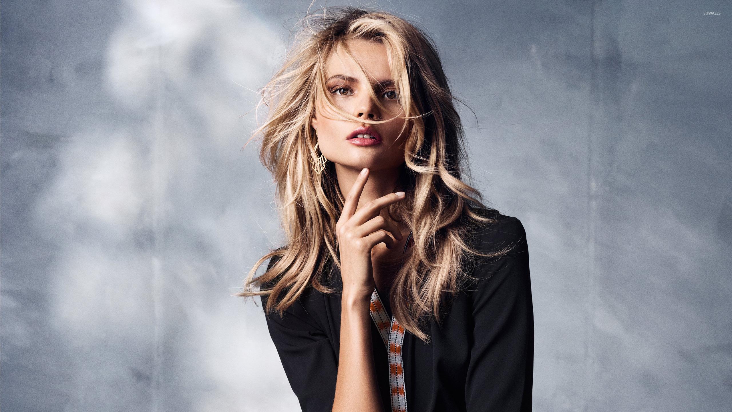 HD Quality Wallpaper | Collection: Women, 2560x1440 Magdalena Frackowiak