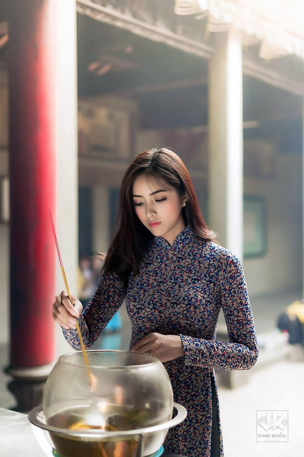 HQ Mai Ánh Quyên Wallpapers | File 251.64Kb