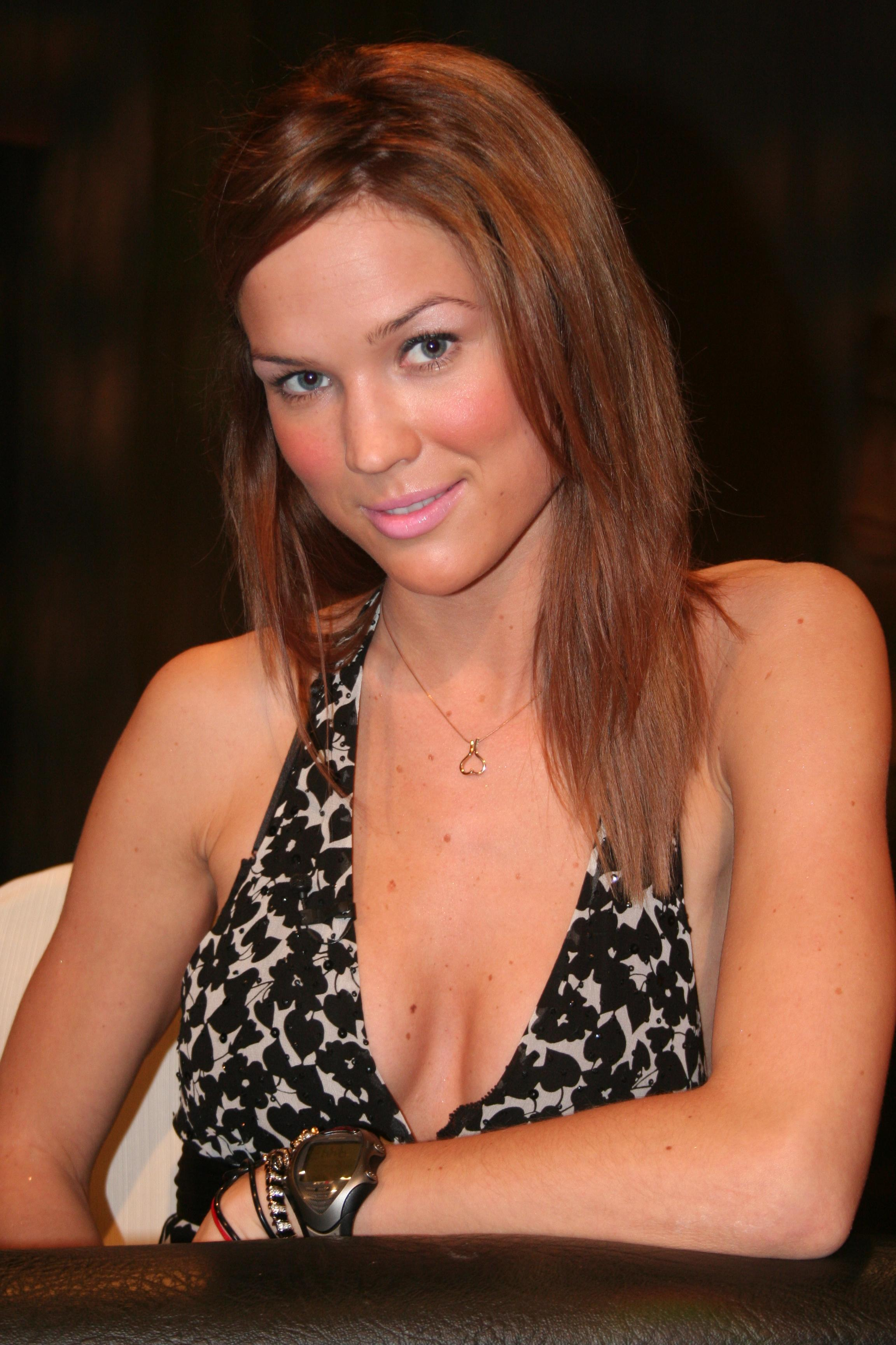 Nice wallpapers Marie Serneholt 2304x3456px