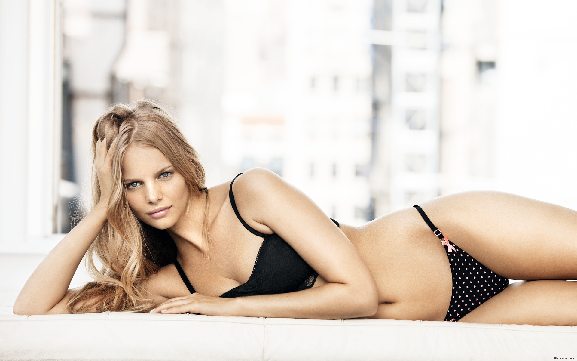 1920x1200 > Marloes Horst Wallpapers