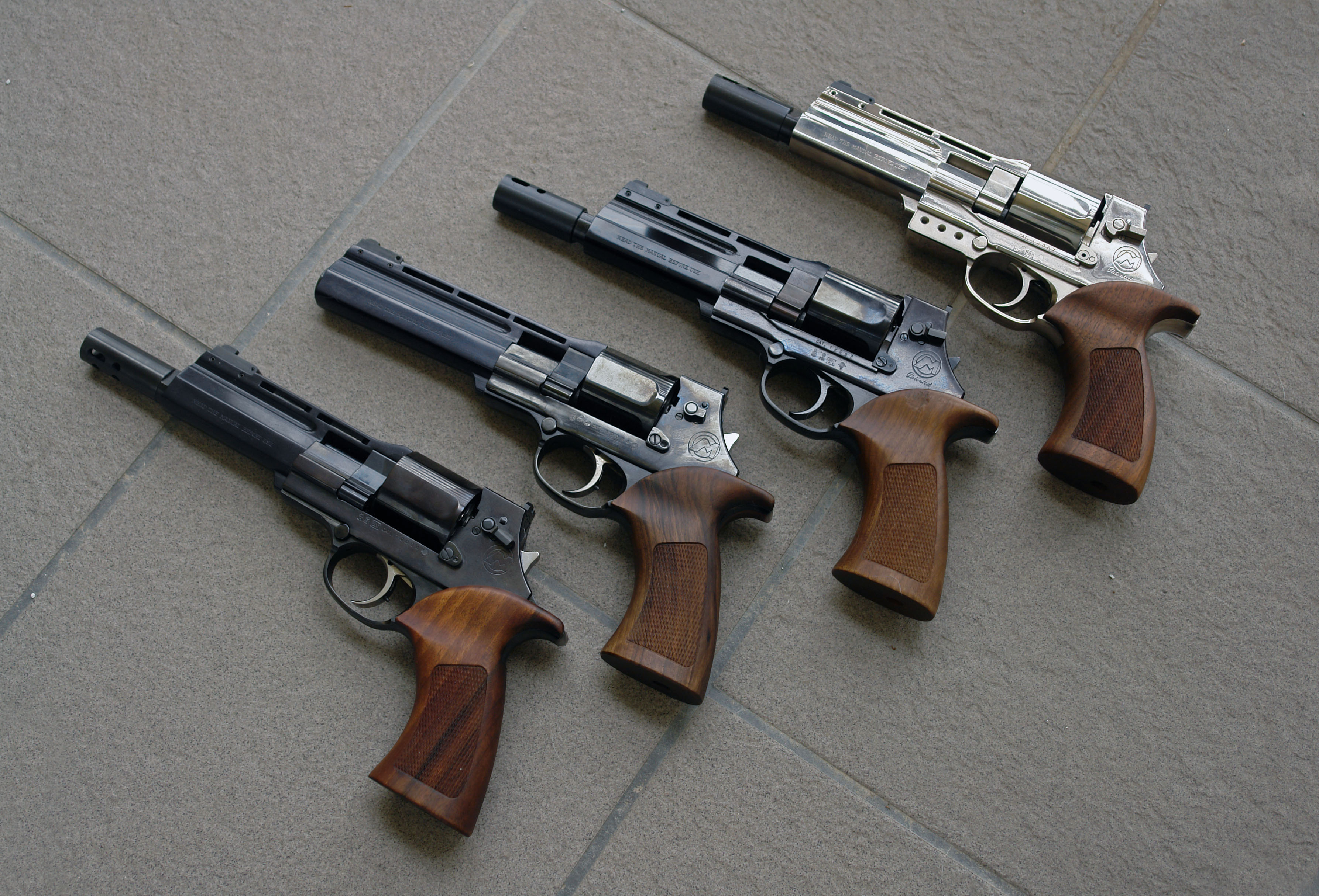 3573x2430 > Mateba Unica Revolver Wallpapers