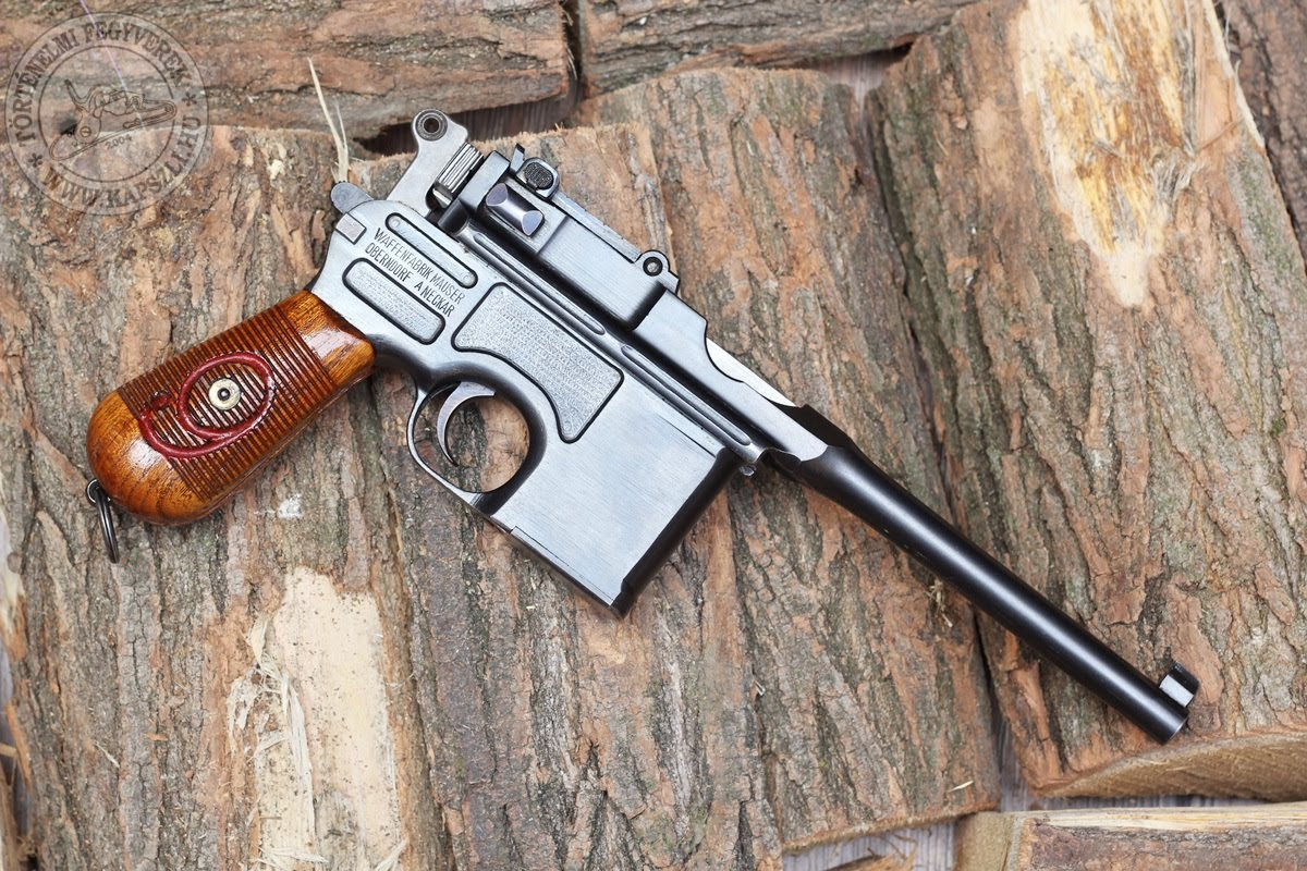HQ Mauser C96 Pistol Wallpapers | File 298.44Kb