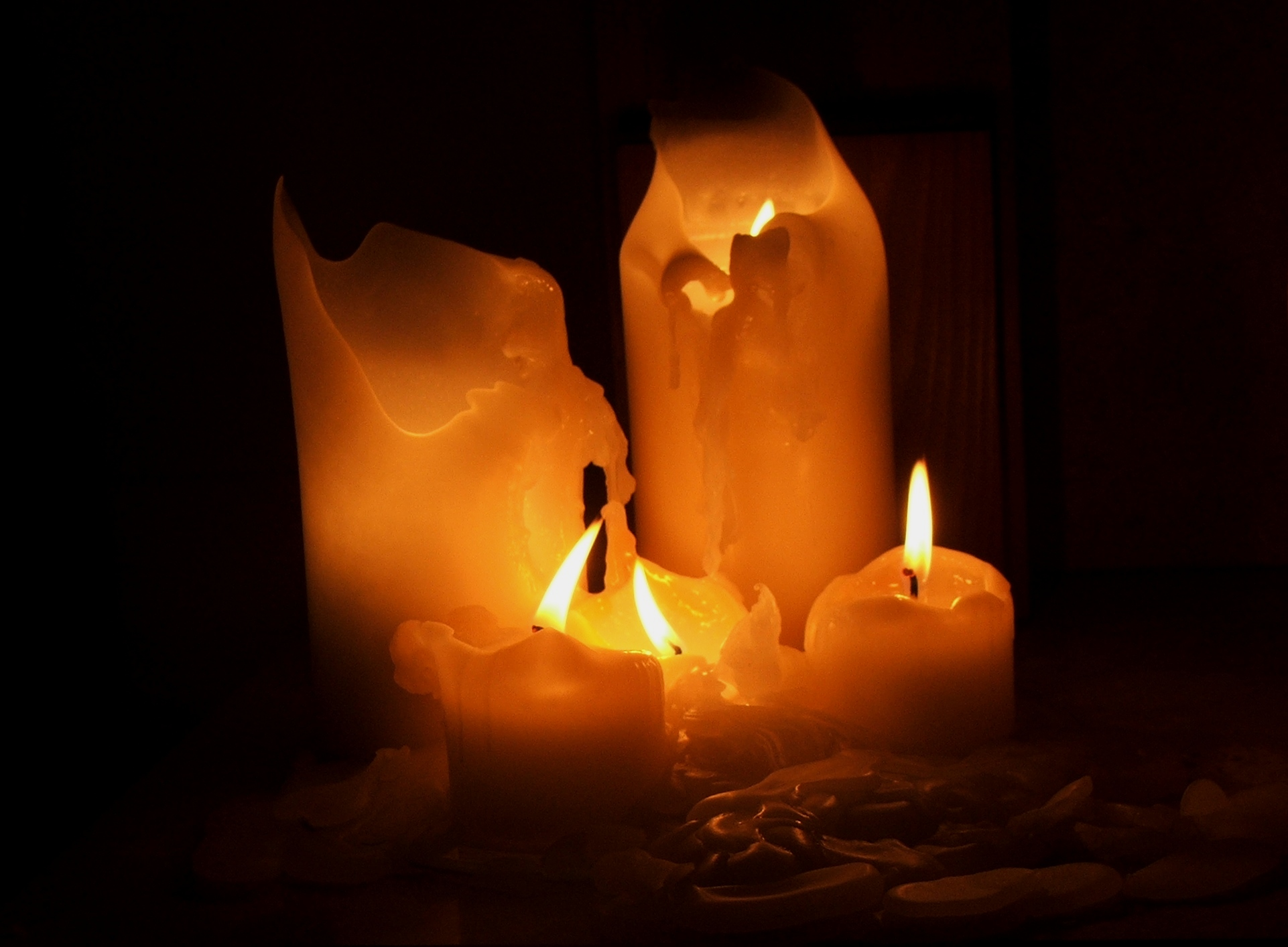 Amazing Melting Candle Pictures & Backgrounds