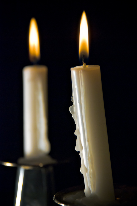 Nice wallpapers Melting Candle 576x864px