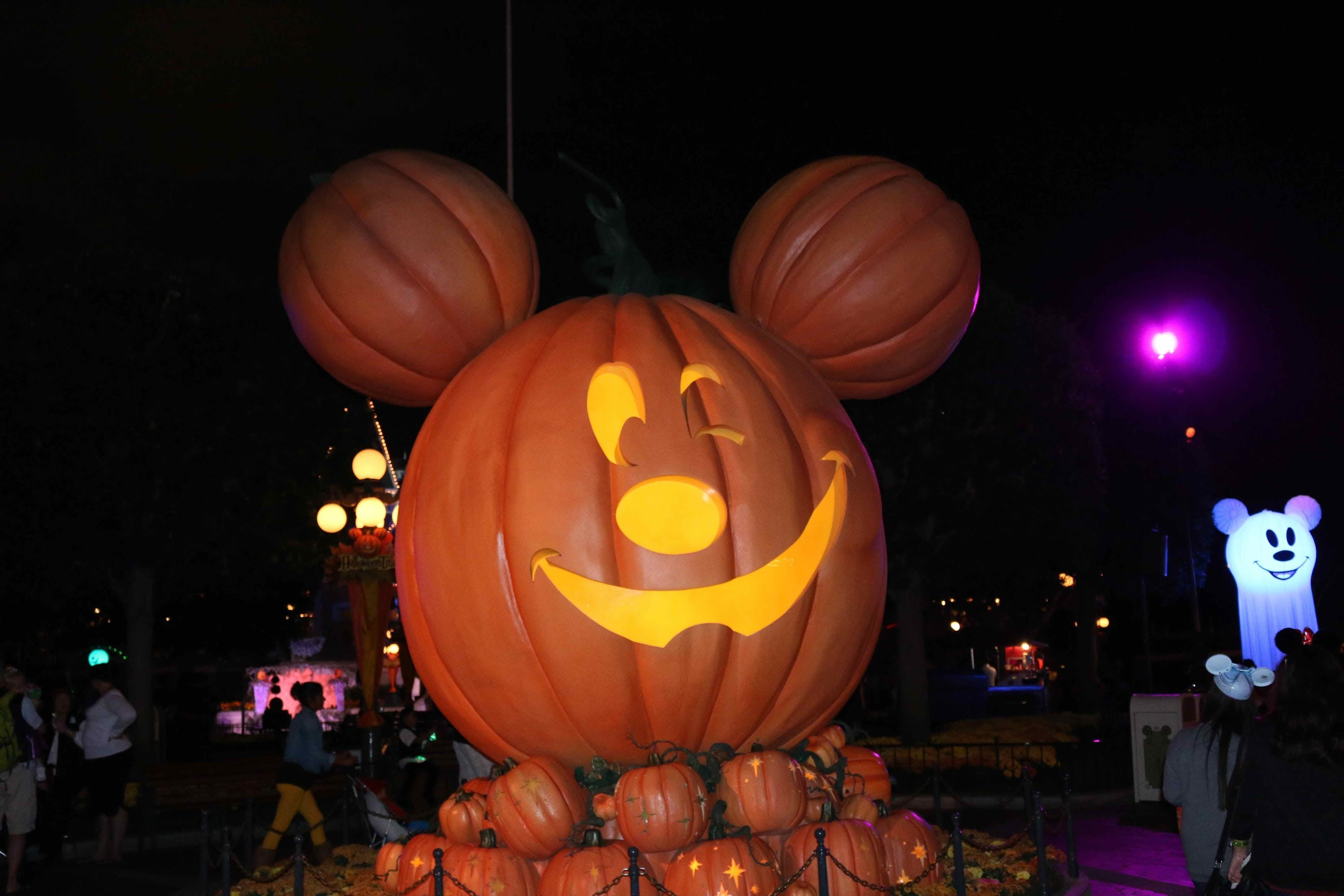 Nice Images Collection: Mickey Mouse Halloween Desktop Wallpapers