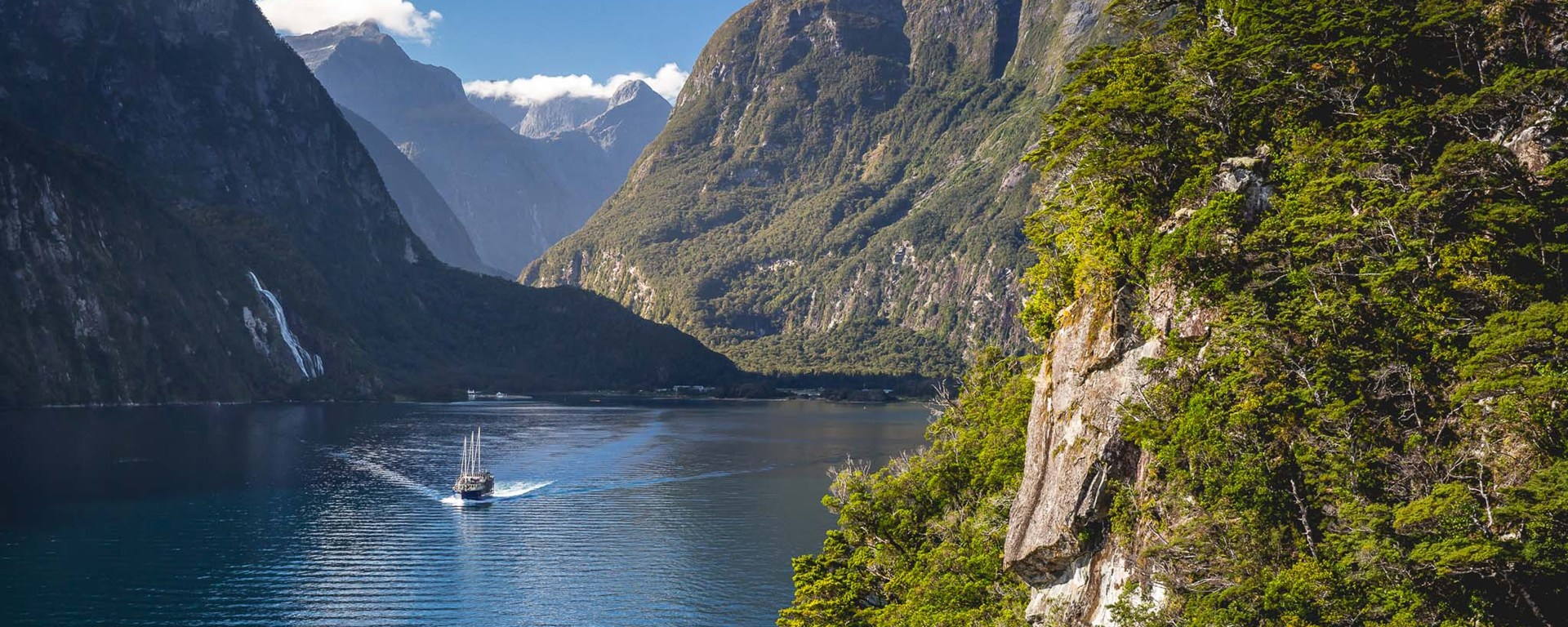 HQ Milford Sound Wallpapers | File 485.07Kb