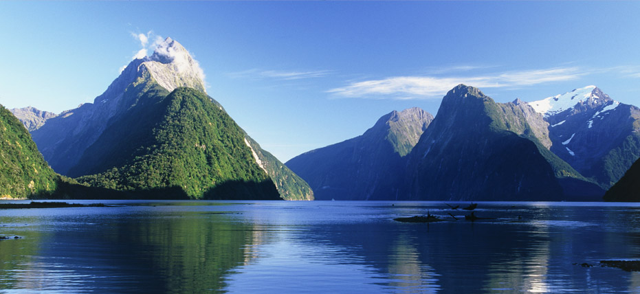 Amazing Milford Sound Pictures & Backgrounds