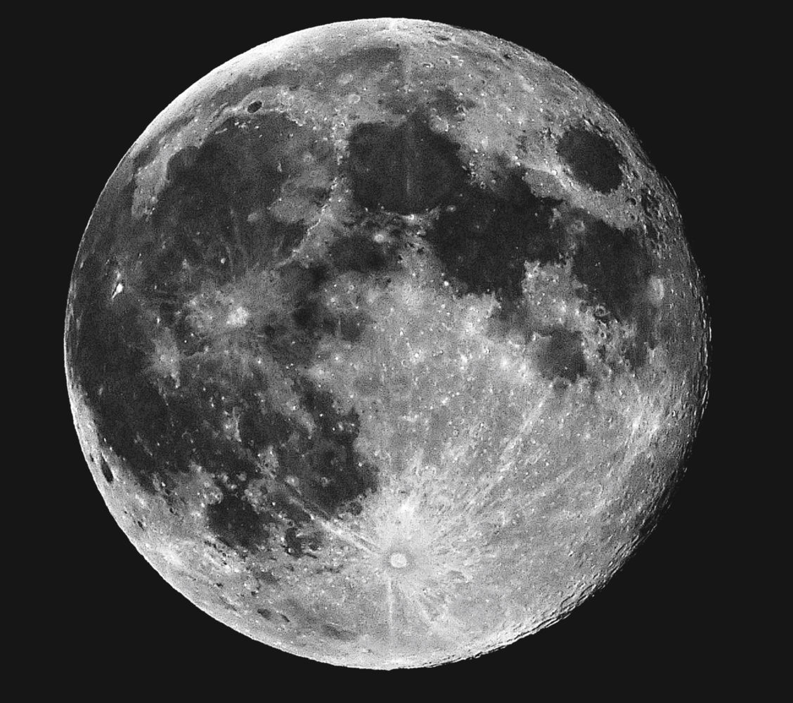 1128x1000 > Moon Wallpapers