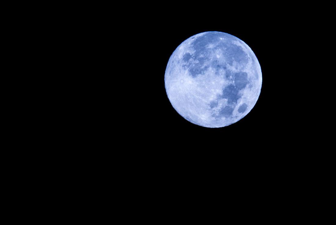 1100x736 > Moon Wallpapers