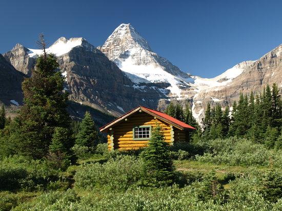 Amazing Mount Assiniboine Pictures & Backgrounds