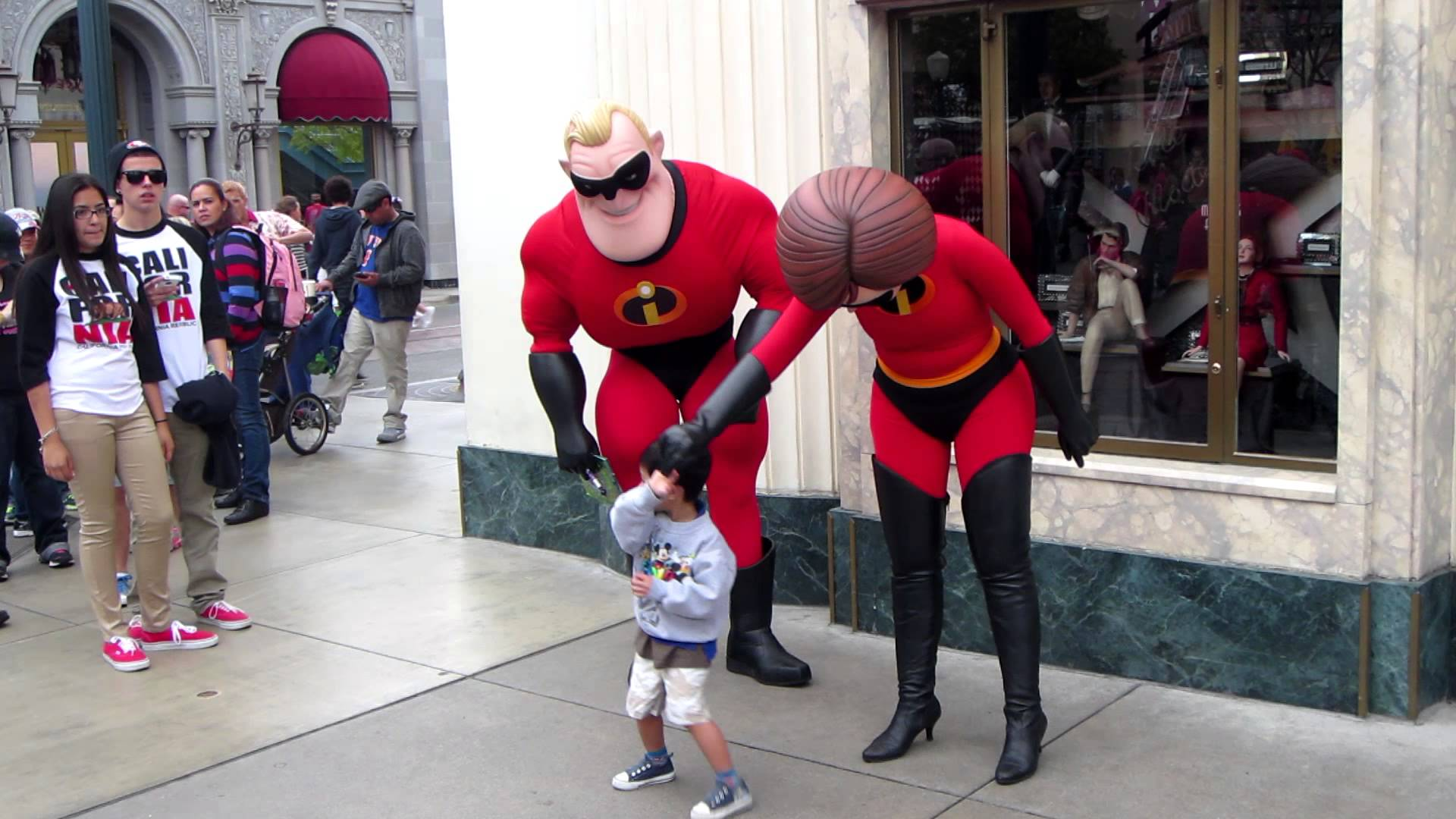 Mr And Mrs Incredible Pics, Movie Collection
