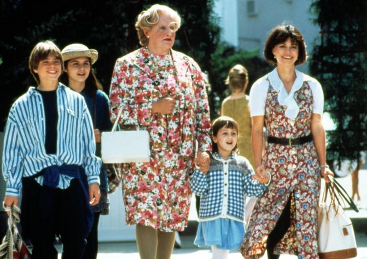 HQ Mrs. Doubtfire Wallpapers | File 73.66Kb