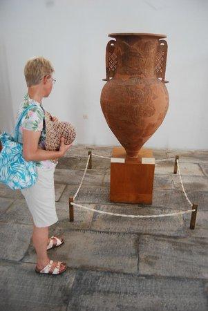 HQ Mykonos Vase Wallpapers | File 26.52Kb