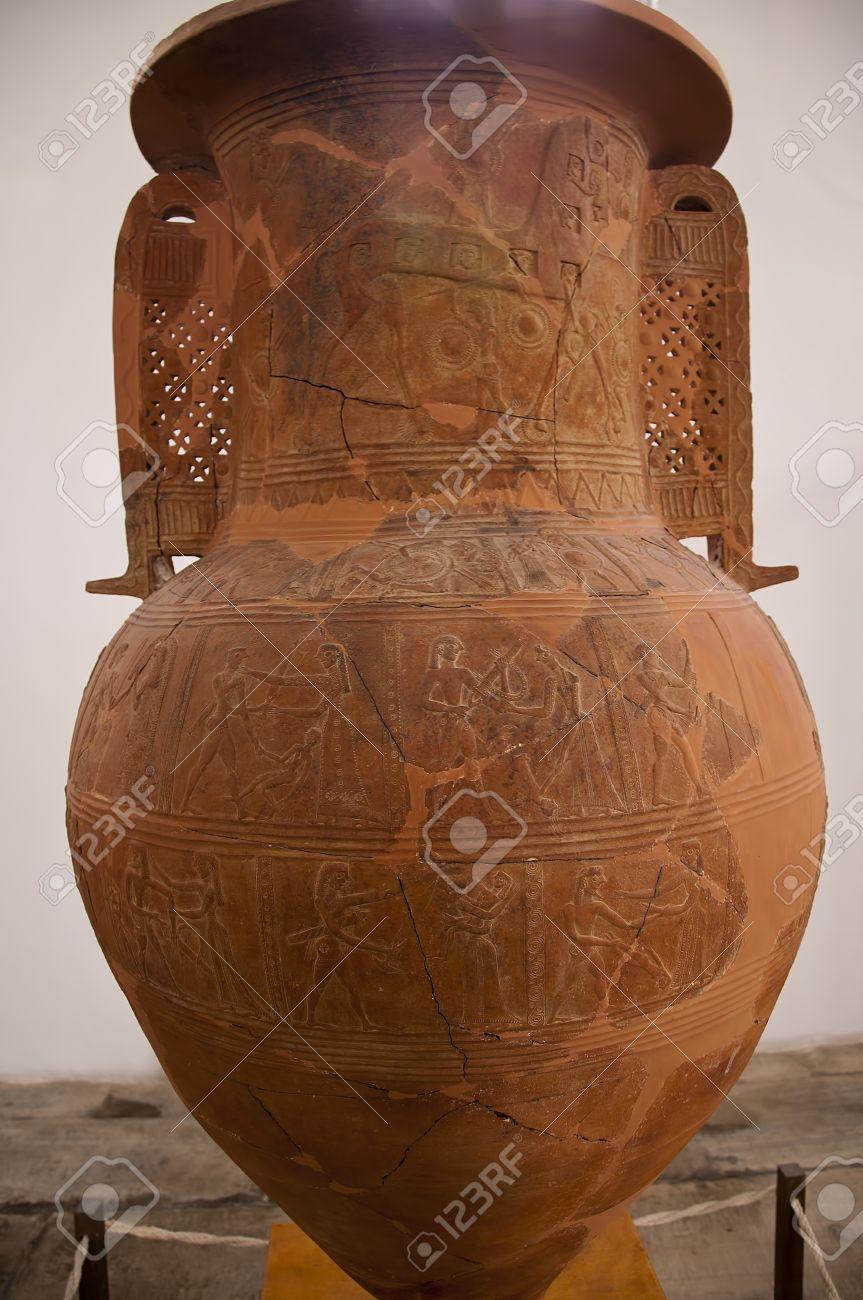 Mykonos Vase Backgrounds, Compatible - PC, Mobile, Gadgets| 863x1300 px