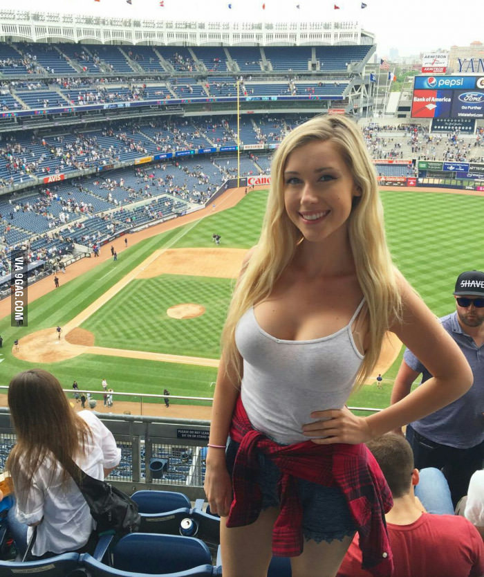 Images of Noelle Foley   700x834