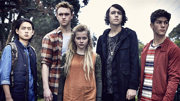 700x394 > Nowhere Boys: The Book Of Shadows Wallpapers