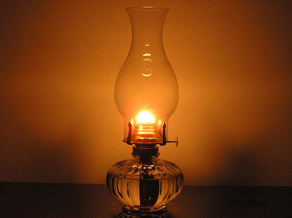 Nice wallpapers Oil Lamp 600x448px