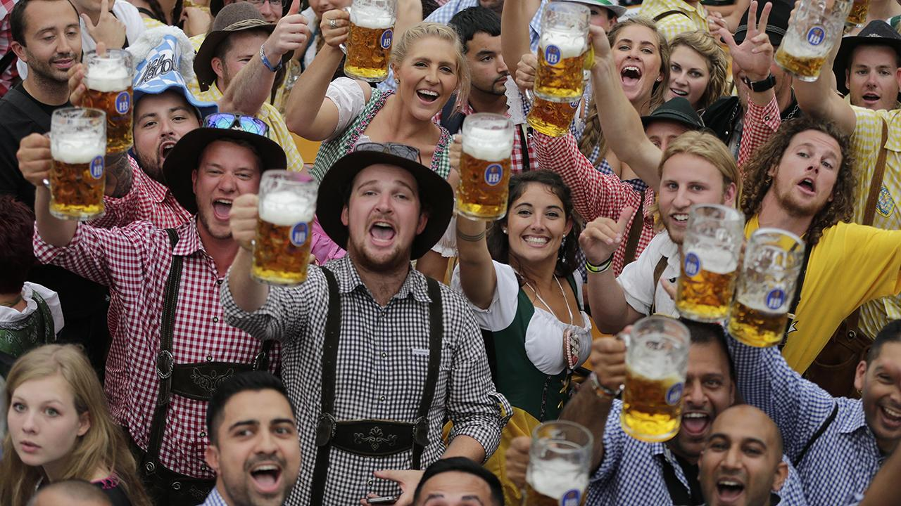 Amazing Oktoberfest Pictures & Backgrounds