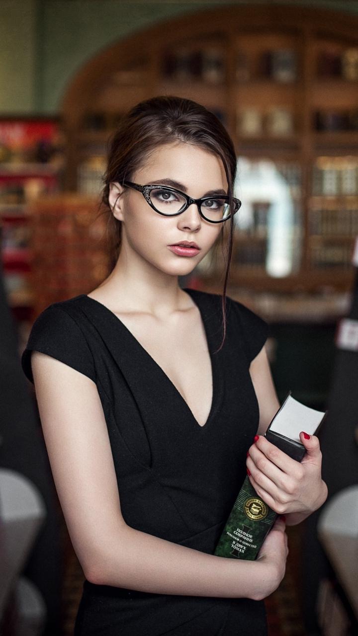 Oktyabrina Maximova High Quality Background on Wallpapers Vista