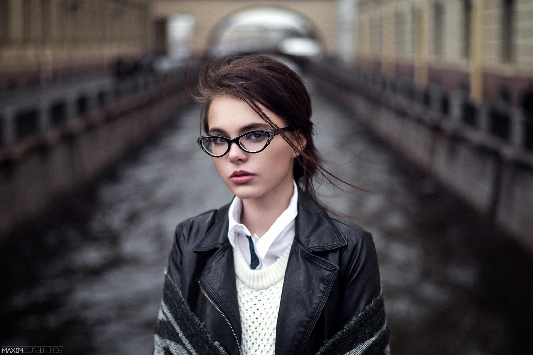 High Resolution Wallpaper   Oktyabrina Maximova 2048x1367 px