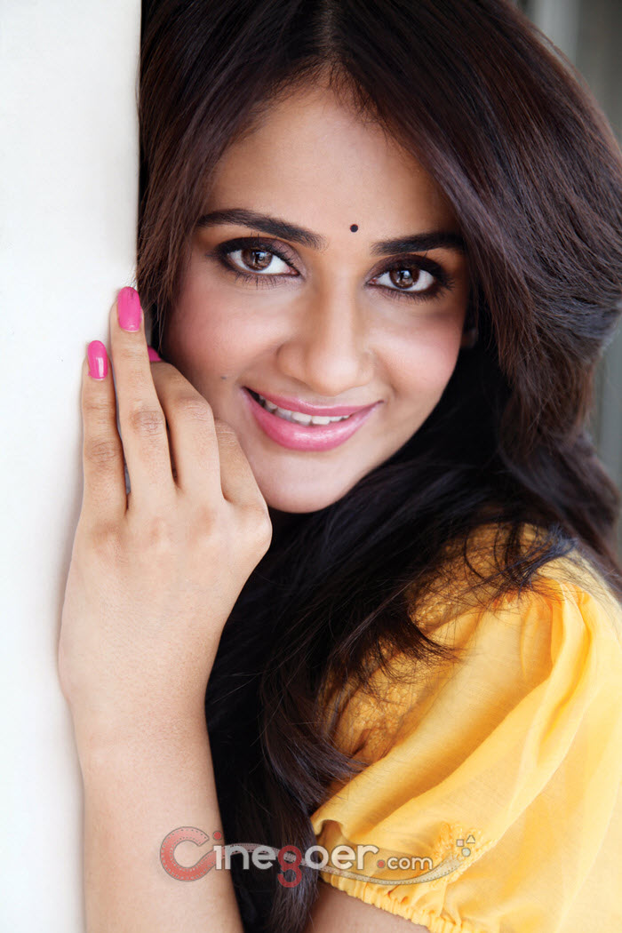 Amazing Parul Yadav Pictures & Backgrounds