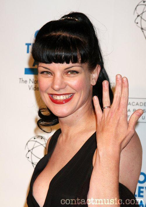 HD Quality Wallpaper   Collection: Women, 500x707 Pauley Perrette