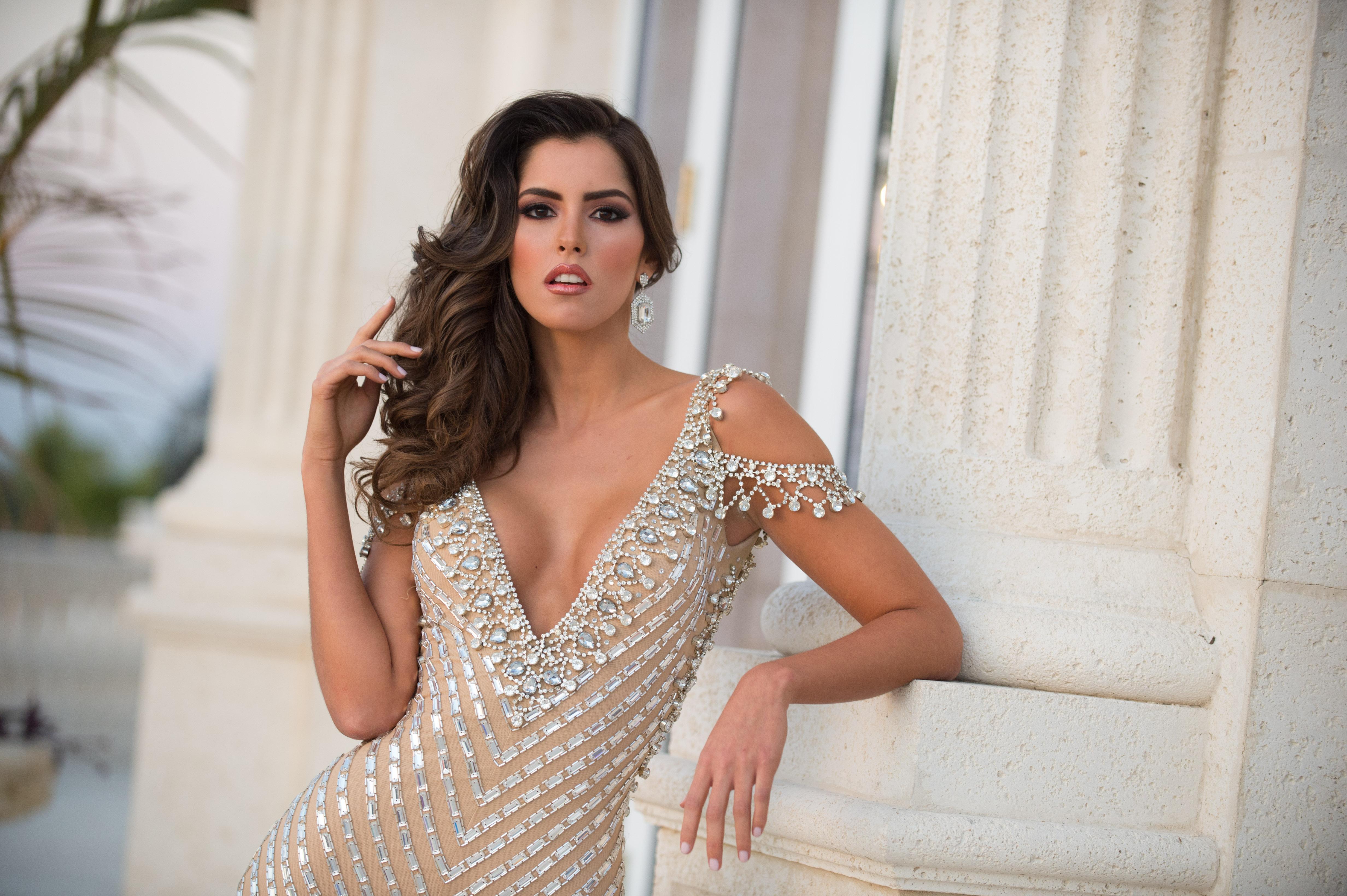 Amazing Paulina Vega Pictures & Backgrounds
